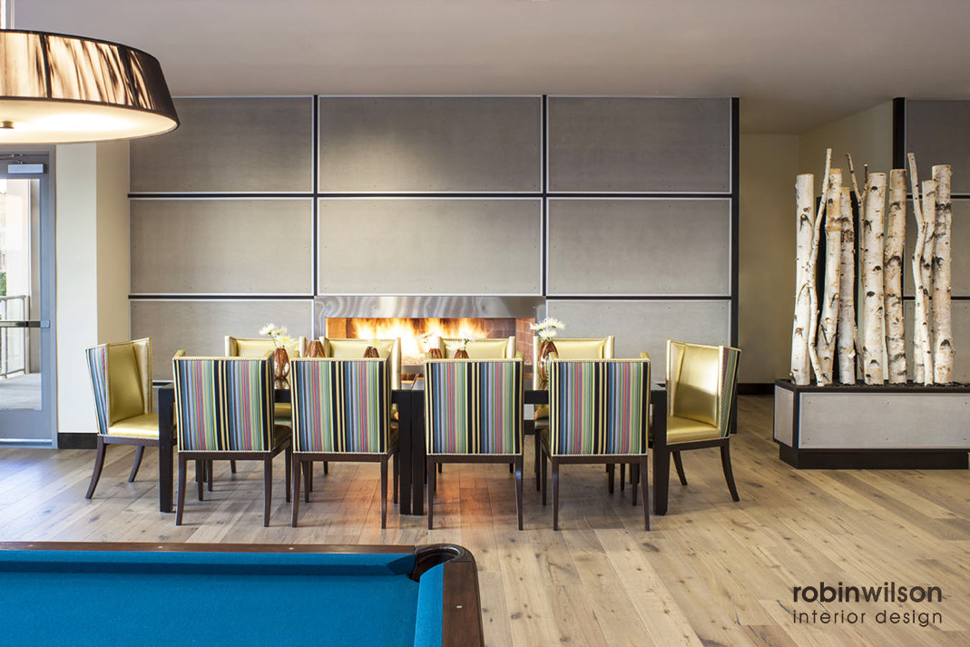 clubroom dining
