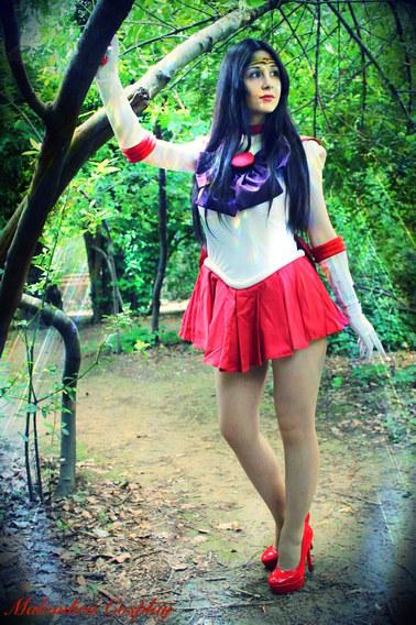 Sailor Mars Cosplay Sings Sailor Moon English Opening (Malombra Cosplay)