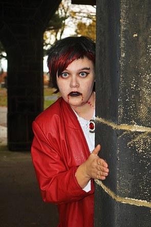 Vampire Girl in Maesoleum