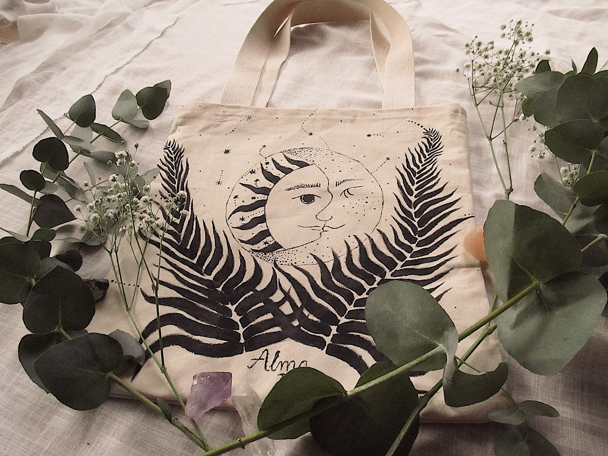 Handpainted totebag