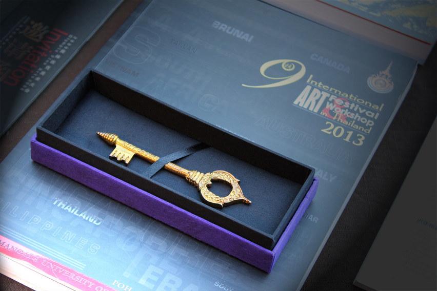 "TITLE: ""Gold Key Award, 9th International Art Festival Workshop in Thailand 2013"""