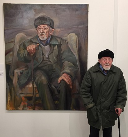 Terry Mac Donald pictured with his Portrait